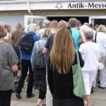 Der er tradition for kø før åbningen af fire dages antikmesse i Løkken…